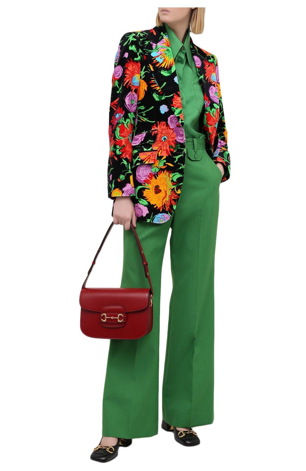 Женские брюки GUCCI зеленого цвета, арт. 643346/ZAFU9   Фото 2 (Материал внешний: Шерсть, Синтетический материал; Длина (брюки, джинсы): Стандартные; Женское Кросс-КТ: Брюки-одежда; Силуэт Ж (брюки и джинсы): Расклешенные; Стили: Романтичный)