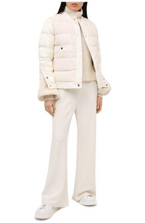 Женский пуховая куртка MONCLER белого цвета, арт. G1-093-1A53X-00-54AU4 | Фото 2