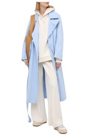 Женский хлопковый плащ MM6 голубого цвета, арт. S52AA0109/S53090 | Фото 2