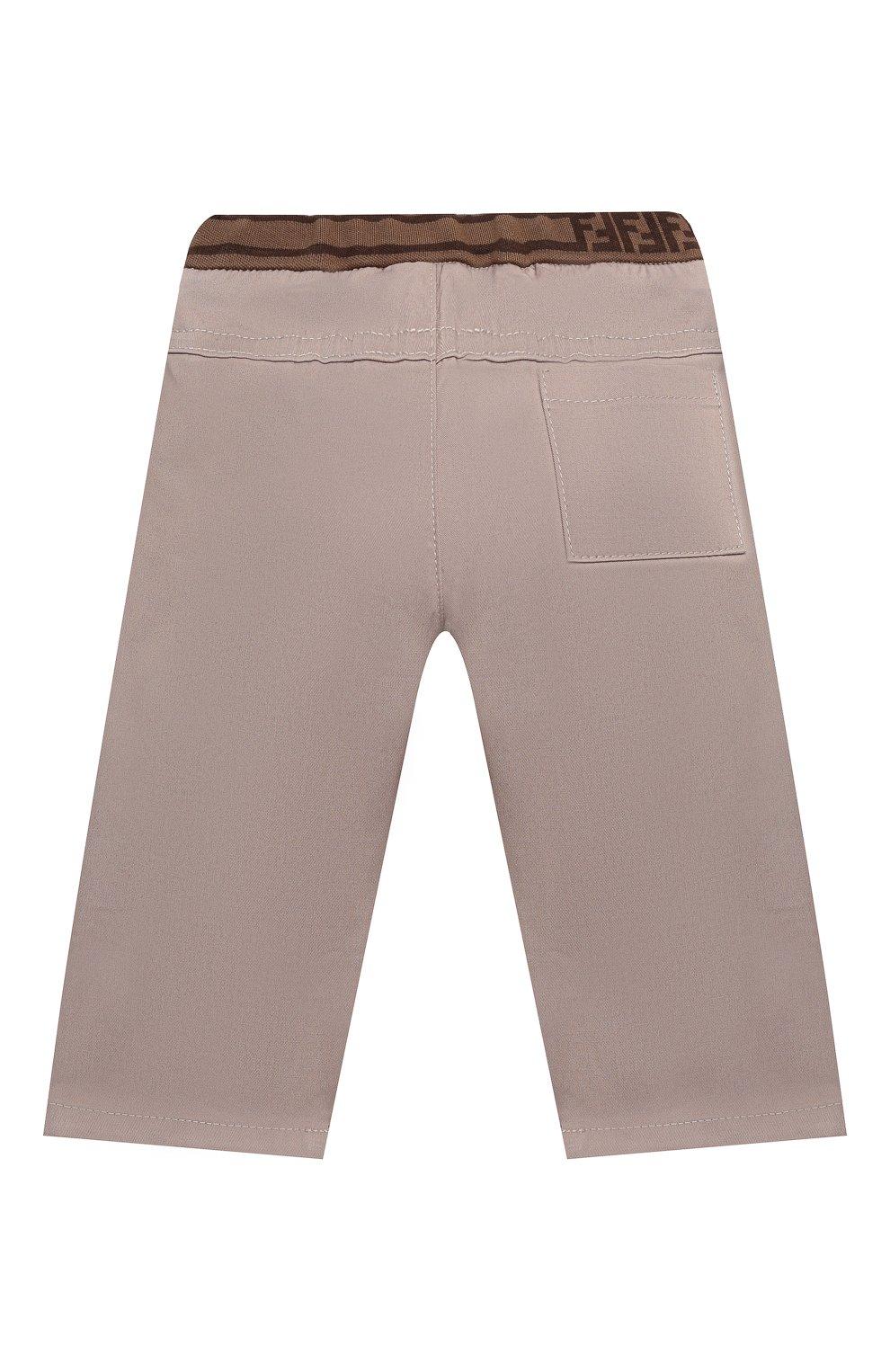 Детские хлопковые брюки FENDI бежевого цвета, арт. BMF179/ADEH/3M-9M   Фото 2