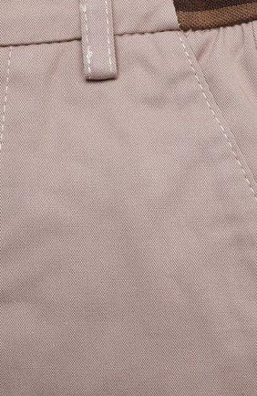 Детские хлопковые брюки FENDI бежевого цвета, арт. BMF179/ADEH/3M-9M   Фото 3