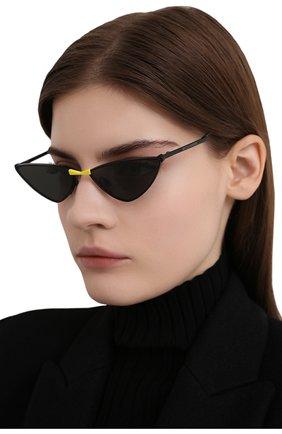 Женские солнцезащитные очки GENTLE MONSTER черного цвета, арт. KR0W M01 | Фото 2