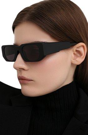 Женские солнцезащитные очки KUB0RAUM черного цвета, арт. U8 BM 2GRAY | Фото 2