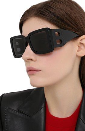 Женские солнцезащитные очки BURBERRY черного цвета, арт. 4312-300187   Фото 2 (Тип очков: С/з; Оптика Гендер: оптика-женское; Очки форма: Квадратные)