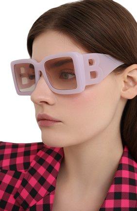 Женские солнцезащитные очки BURBERRY светло-розового цвета, арт. 4312-384913   Фото 2 (Тип очков: С/з; Оптика Гендер: оптика-женское; Очки форма: Квадратные)