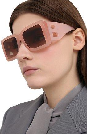 Женские солнцезащитные очки BURBERRY розового цвета, арт. 4312-387413   Фото 2 (Тип очков: С/з; Оптика Гендер: оптика-женское; Очки форма: Квадратные)