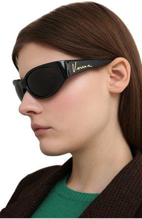 Женские солнцезащитные очки VERSACE черного цвета, арт. 4386-GB1/87 | Фото 2
