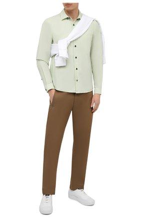 Мужская хлопковая рубашка STONE ISLAND светло-зеленого цвета, арт. 741512510 | Фото 2 (Рубашки М: Regular Fit; Стили: Кэжуэл; Материал внешний: Хлопок; Случай: Повседневный; Рукава: Длинные; Длина (для топов): Стандартные; Воротник: Кент; Принт: Однотонные; Манжеты: На пуговицах)