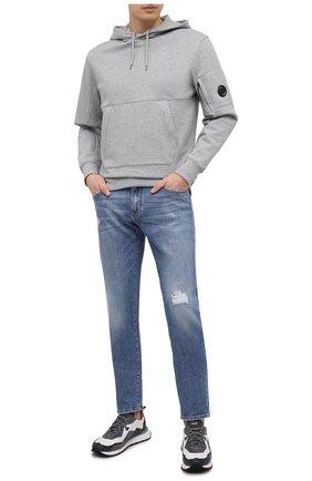 Мужской хлопковое худи C.P. COMPANY серого цвета, арт. 10CMSS047A-005086W | Фото 2 (Стили: Кэжуэл; Мужское Кросс-КТ: Худи-одежда; Длина (для топов): Стандартные; Материал внешний: Хлопок; Принт: Без принта; Рукава: Длинные)