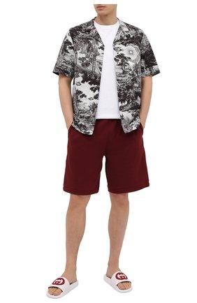 Мужские кожаные шлепанцы GUCCI белого цвета, арт. 644756/0R0F0 | Фото 2