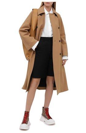 Женские кожаные ботинки ALEXANDER MCQUEEN леопардового цвета, арт. 650778/WHZW1 | Фото 2 (Женское Кросс-КТ: Хайкеры-ботинки; Материал внутренний: Натуральная кожа; Подошва: Платформа; Каблук высота: Низкий)