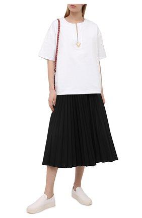 Женская хлопковая футболка VALENTINO белого цвета, арт. VB3MG11T69W | Фото 2