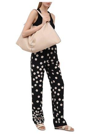 Женские шелковые брюки VALENTINO черно-белого цвета, арт. VB3RB43565N | Фото 2