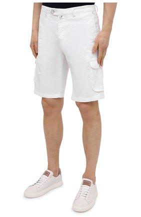 Мужские шорты изо льна и хлопка KITON белого цвета, арт. UFPPBJ07T44   Фото 3 (Мужское Кросс-КТ: Шорты-одежда; Длина Шорты М: До колена; Принт: Без принта; Материал внешний: Хлопок, Лен; Стили: Кэжуэл)
