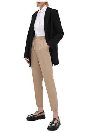 Женские брюки из хлопка и шерсти REDVALENTINO бежевого цвета, арт. VR3RBB75/4R9 | Фото 2 (Материал внешний: Хлопок, Шерсть; Силуэт Ж (брюки и джинсы): Прямые; Стили: Кэжуэл; Длина (брюки, джинсы): Укороченные; Женское Кросс-КТ: Брюки-одежда)