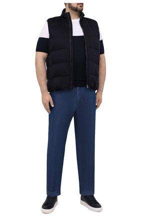 Мужские джинсы KITON синего цвета, арт. UFPLAC/J07T26 | Фото 2