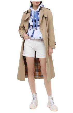 Женские джинсовые шорты 7 FOR ALL MANKIND белого цвета, арт. JSWUA850WH | Фото 2