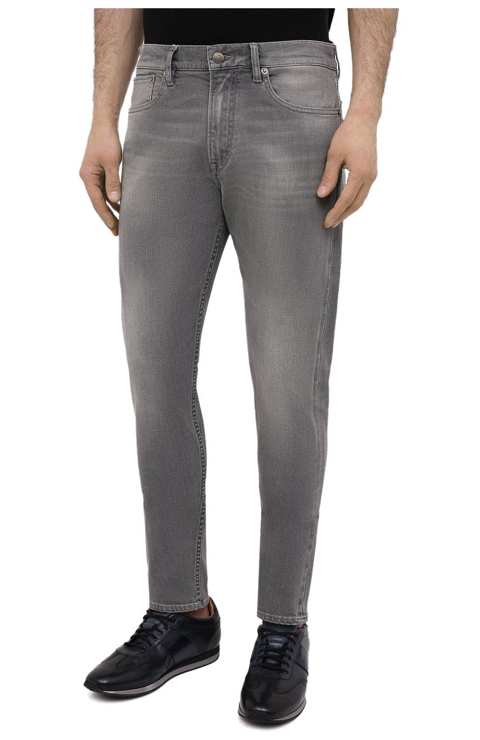 Мужские джинсы RALPH LAUREN светло-серого цвета, арт. 790782453 | Фото 3 (Силуэт М (брюки): Прямые; Кросс-КТ: Деним; Длина (брюки, джинсы): Стандартные; Материал внешний: Хлопок; Детали: Потертости; Стили: Кэжуэл)