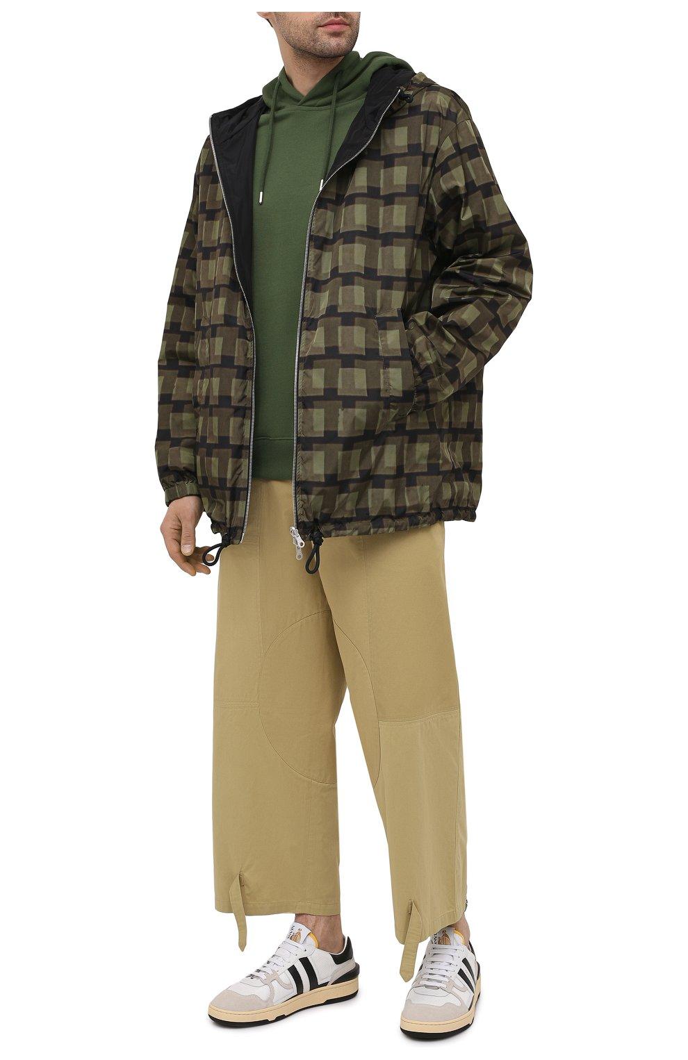Мужская куртка DRIES VAN NOTEN хаки цвета, арт. 211-20509-2133   Фото 2 (Кросс-КТ: Куртка, Ветровка; Рукава: Длинные; Длина (верхняя одежда): До середины бедра; Материал внешний: Синтетический материал; Стили: Гранж; Принт: С принтом; Материал подклада: Синтетический материал)