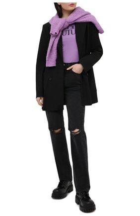 Женская хлопковая футболка VERSACE JEANS COUTURE сиреневого цвета, арт. B2HWA7TA-WDP608 L0G0 PLAS/30454 | Фото 2
