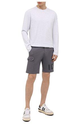 Мужские хлопковые шорты DSQUARED2 темно-серого цвета, арт. S79MU0009/S35175 | Фото 2 (Стили: Гранж; Мужское Кросс-КТ: Шорты-одежда; Материал внешний: Хлопок; Длина Шорты М: До колена; Принт: С принтом)