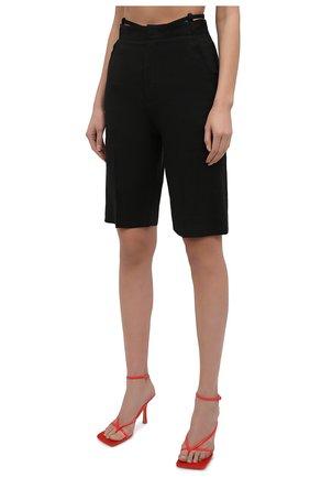 Женские шорты JACQUEMUS черного цвета, арт. 211PA06/103990 | Фото 3