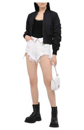 Женские джинсовые шорты DENIM X ALEXANDER WANG белого цвета, арт. 4DC1204685   Фото 2