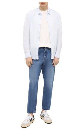 Мужская хлопковая рубашка JAMES PERSE голубого цвета, арт. MLC3408 | Фото 2 (Рукава: Длинные; Случай: Повседневный; Материал внешний: Хлопок; Стили: Кэжуэл; Рубашки М: Regular Fit; Длина (для топов): Стандартные; Принт: Однотонные; Воротник: Кент; Манжеты: На пуговицах)