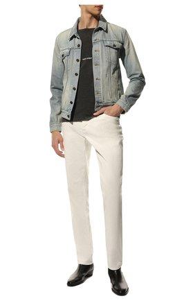 Мужская джинсовая куртка SAINT LAURENT голубого цвета, арт. 627584/Y820L | Фото 2 (Длина (верхняя одежда): Короткие; Кросс-КТ: Деним, Куртка; Материал внешний: Хлопок, Деним; Рукава: Длинные; Стили: Гранж)