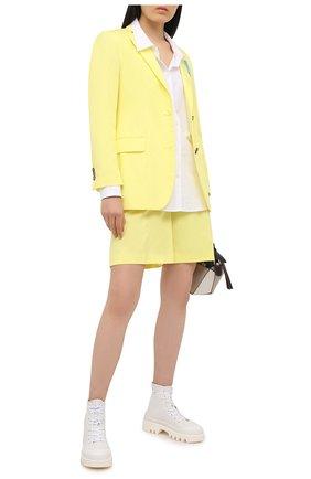 Женские хлопковый шорты MSGM желтого цвета, арт. 3041MDB04 217109 | Фото 2 (Материал внешний: Хлопок; Женское Кросс-КТ: Шорты-одежда; Стили: Кэжуэл; Длина Ж (юбки, платья, шорты): Мини)