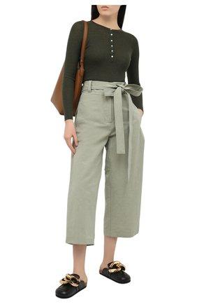 Женские брюки из хлопка и льна MONCLER зеленого цвета, арт. G1-094-2A710-00-V0153 | Фото 2