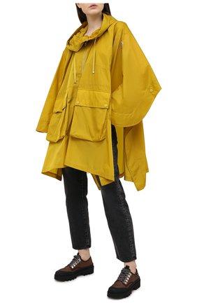 Женский плащ MONCLER желтого цвета, арт. G1-093-1C738-00-54155 | Фото 2