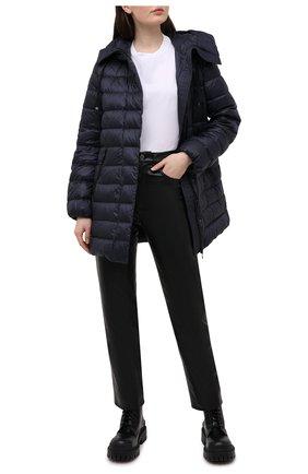 Женский пуховая куртка MONCLER темно-синего цвета, арт. G1-093-1B559-00-5396Q | Фото 2