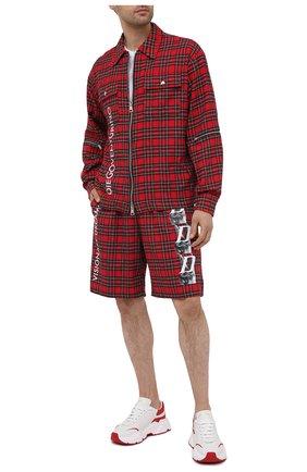 Мужские шорты DIEGO VENTURINO красного цвета, арт. SS21-DV SRT-FZ VDL | Фото 2 (Длина Шорты М: До колена; Принт: С принтом; Мужское Кросс-КТ: Шорты-одежда; Материал внешний: Хлопок, Синтетический материал; Стили: Гранж)