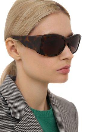 Женские солнцезащитные очки BALENCIAGA коричневого цвета, арт. BB0001 002 | Фото 2