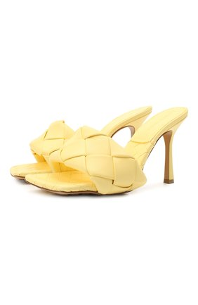 Женские кожаные мюли BOTTEGA VENETA желтого цвета, арт. 608854/VBSS0 | Фото 1