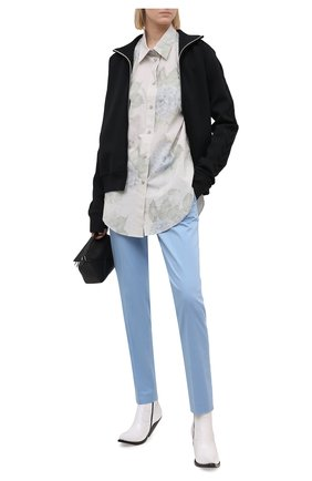 Женские хлопковые брюки BOSS голубого цвета, арт. 50448900 | Фото 2