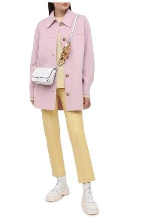 Женские кожаные брюки LORO PIANA желтого цвета, арт. FAL5454   Фото 2 (Силуэт Ж (брюки и джинсы): Прямые; Стили: Кэжуэл; Материал подклада: Шелк; Длина (брюки, джинсы): Укороченные; Женское Кросс-КТ: Брюки-одежда)