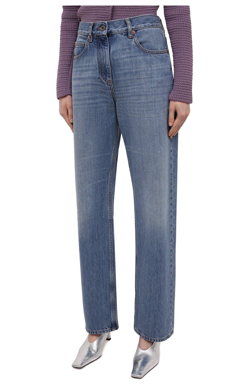 Женские джинсы VALENTINO синего цвета, арт. VB3DD11H559   Фото 3