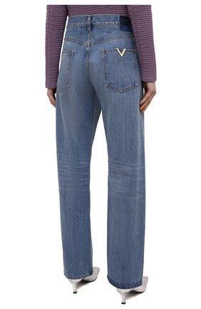 Женские джинсы VALENTINO синего цвета, арт. VB3DD11H559   Фото 4