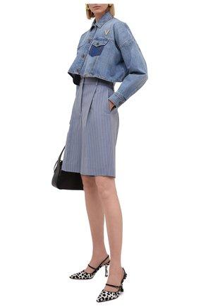 Женская джинсовая куртка VALENTINO синего цвета, арт. VB3DC01Y559 | Фото 2