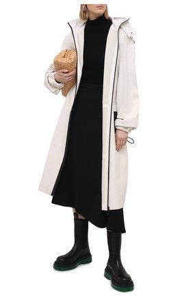 Женский кожаный плащ BOTTEGA VENETA белого цвета, арт. 652781/VKVL0 | Фото 2