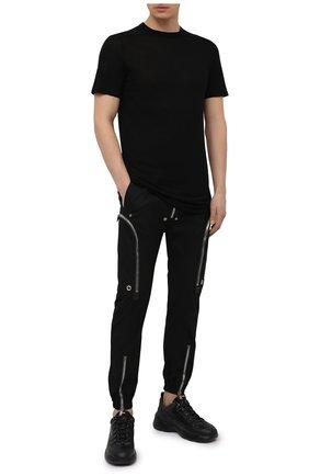 Мужские хлопковые джоггеры RICK OWENS черного цвета, арт. RU21S6377/TE   Фото 2 (Стили: Гранж; Длина (брюки, джинсы): Укороченные; Силуэт М (брюки): Джоггеры; Материал внешний: Хлопок)
