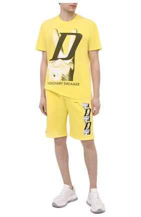 Мужские хлопковые шорты DIEGO VENTURINO желтого цвета, арт. SS21-DV SRT VDL | Фото 2