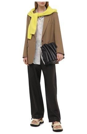Женский жакет из шерсти и вискозы DRIES VAN NOTEN бежевого цвета, арт. 211-10416-2301   Фото 2 (Случай: Формальный; Материал подклада: Вискоза; Длина (для топов): Удлиненные; Материал внешний: Вискоза, Шерсть; 1-2-бортные: Однобортные; Рукава: Длинные; Женское Кросс-КТ: Жакет-одежда; Стили: Кэжуэл)