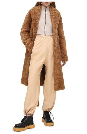 Женские кожаные брюки BOTTEGA VENETA бежевого цвета, арт. 652882/VKVL0 | Фото 2