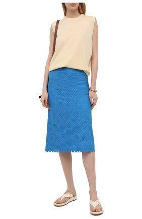 Женская хлопковая юбка LORO PIANA синего цвета, арт. FAL5910   Фото 2 (Материал подклада: Хлопок; Материал внешний: Хлопок; Длина Ж (юбки, платья, шорты): Миди; Женское Кросс-КТ: Юбка-одежда; Стили: Кэжуэл)