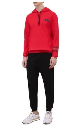 Мужские хлопковые джоггеры HUGO черного цвета, арт. 50447963 | Фото 2 (Материал внешний: Хлопок; Кросс-КТ: Спорт; Стили: Спорт-шик; Мужское Кросс-КТ: Брюки-трикотаж; Длина (брюки, джинсы): Стандартные; Силуэт М (брюки): Джоггеры)