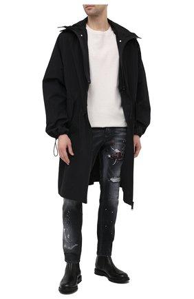 Мужские джинсы DSQUARED2 темно-серого цвета, арт. S74LB0926/S30503 | Фото 2 (Материал внешний: Хлопок, Деним; Длина (брюки, джинсы): Стандартные; Стили: Панк, Гранж; Силуэт М (брюки): Узкие; Детали: Потертости; Кросс-КТ: Деним)