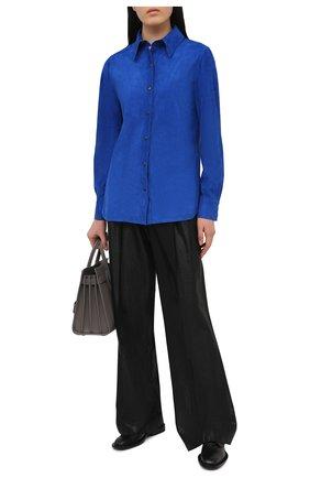 Женская замшевая рубашка TOM FORD синего цвета, арт. CAL553-LEX257 | Фото 2 (Рукава: Длинные; Длина (для топов): Удлиненные; Принт: Без принта; Женское Кросс-КТ: Рубашка-одежда; Стили: Кэжуэл; Материал внешний: Замша)